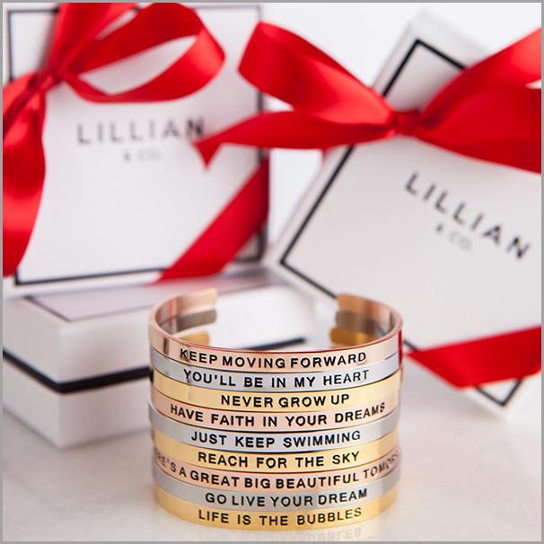disney_xmas_bracelet.jpg