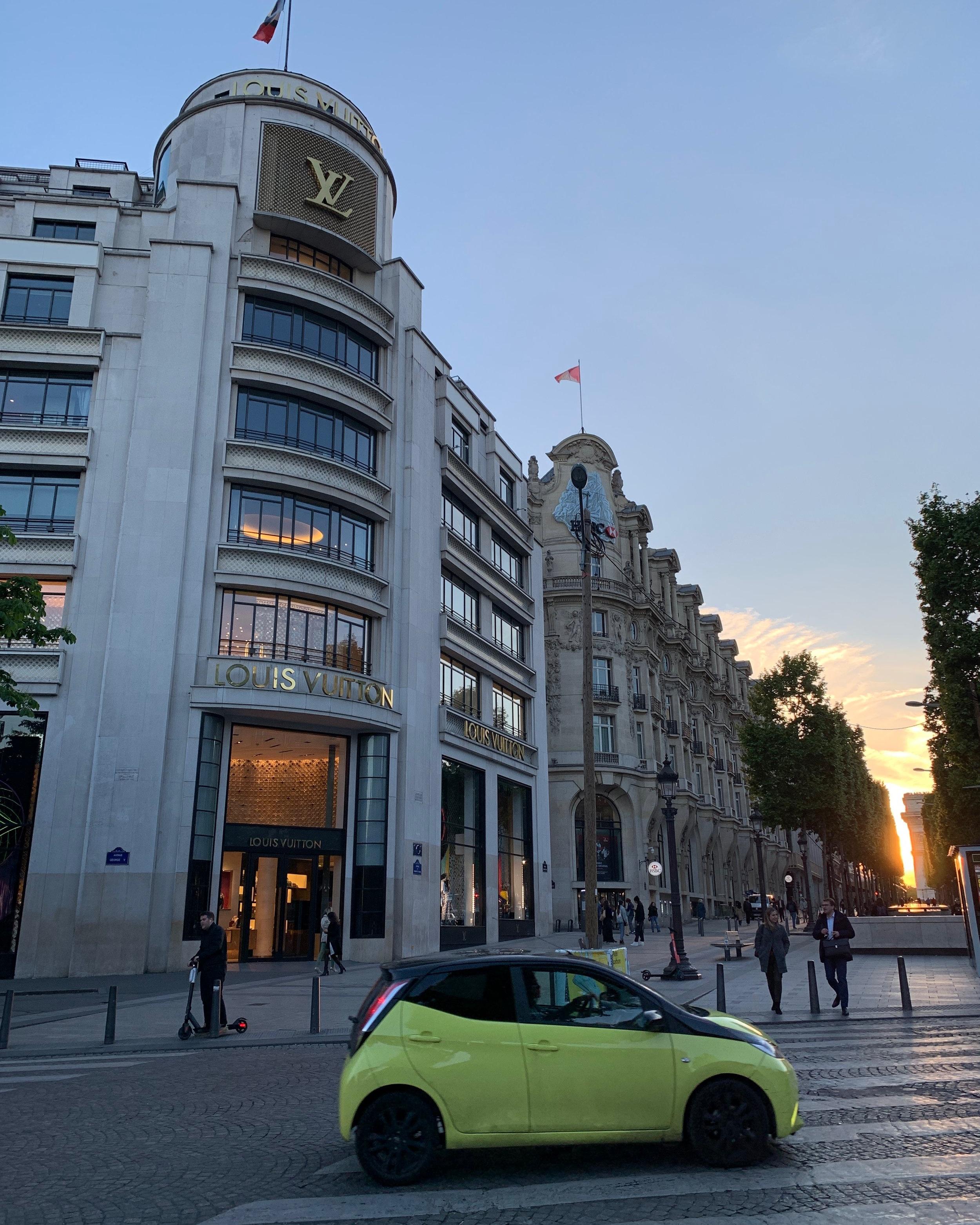 We could easily walk to the famous Champs-Élysées