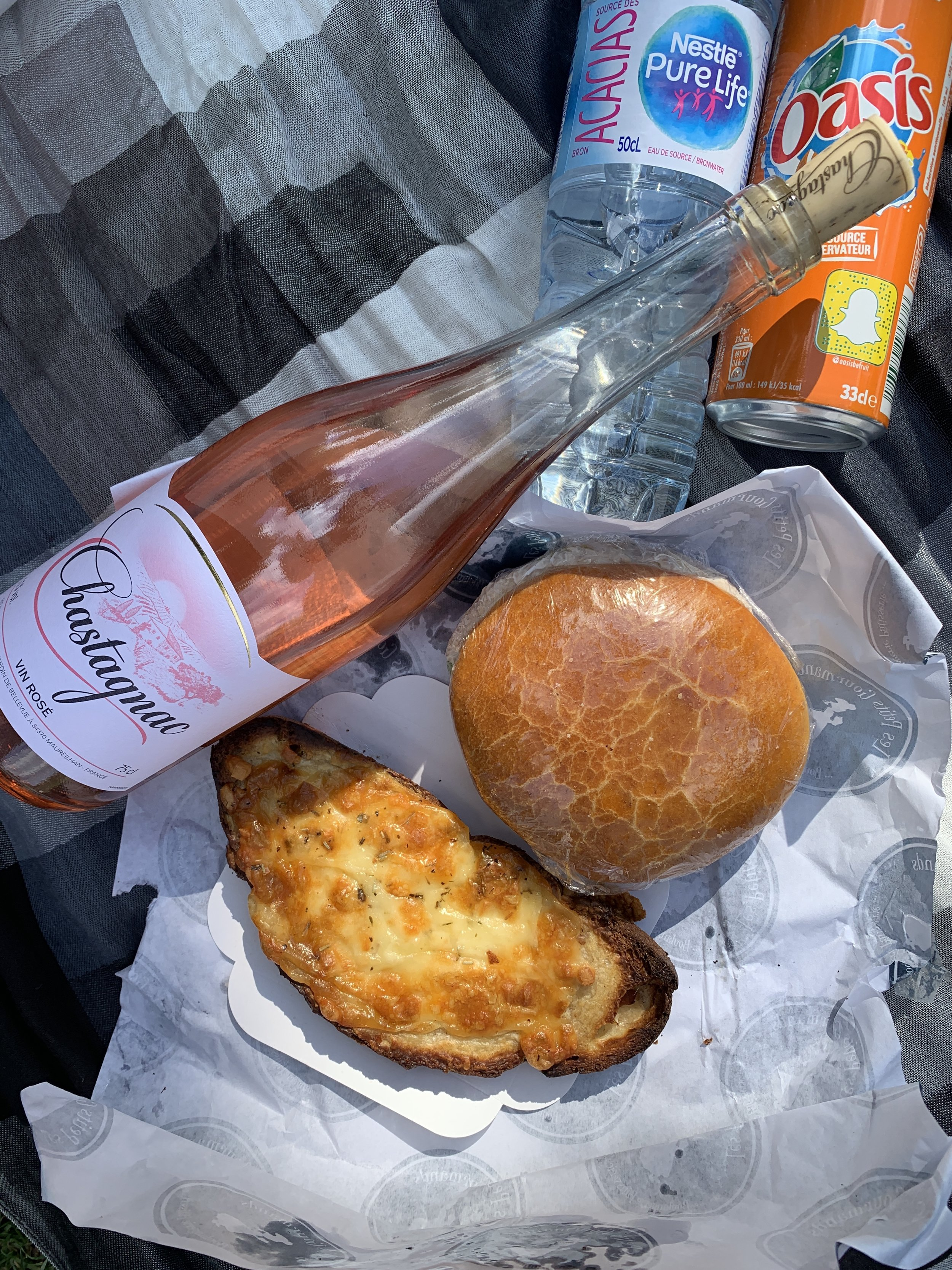 Nothing says a parisian lunch like fresh bakery items and wine.