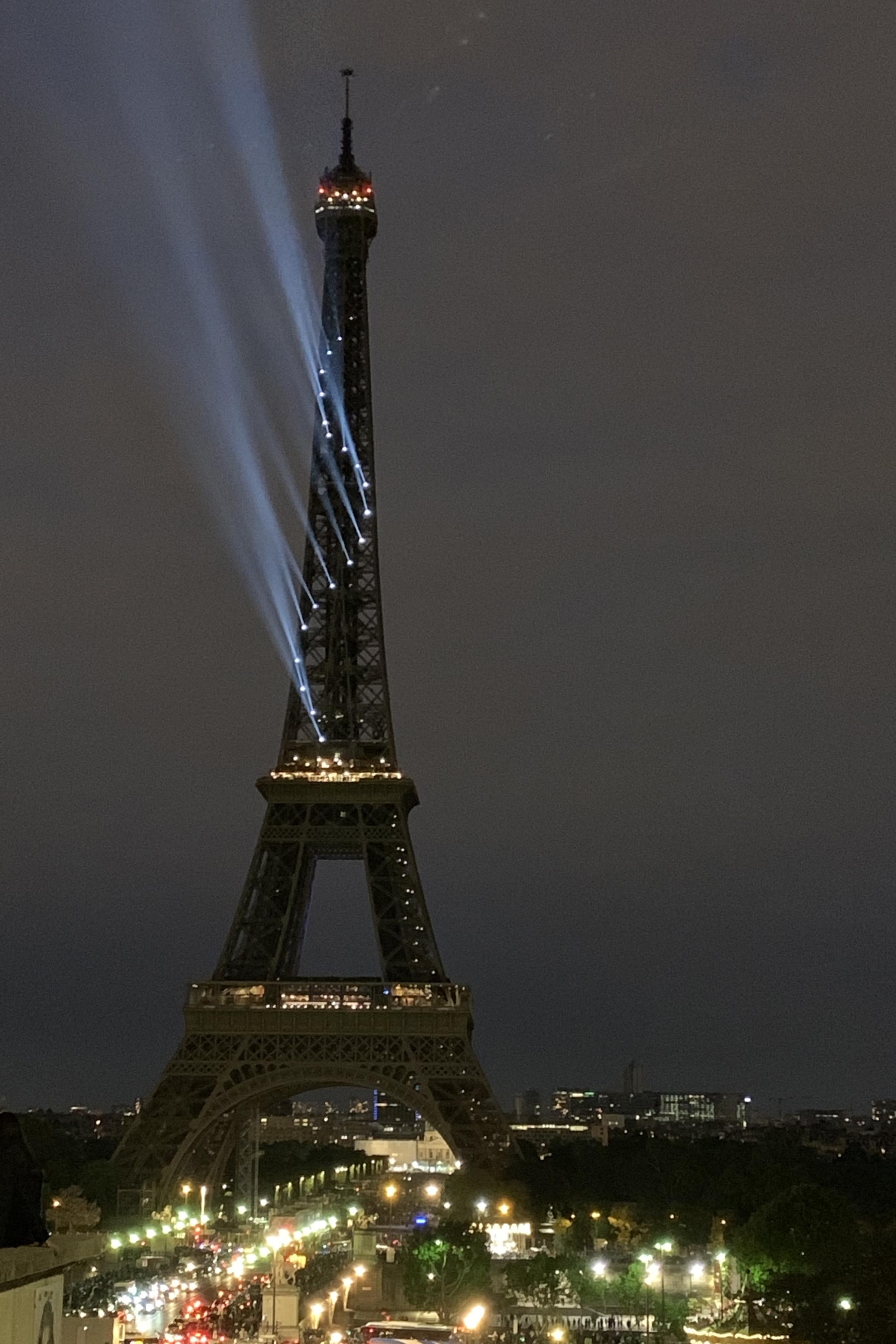 eifel_tower_4.jpg