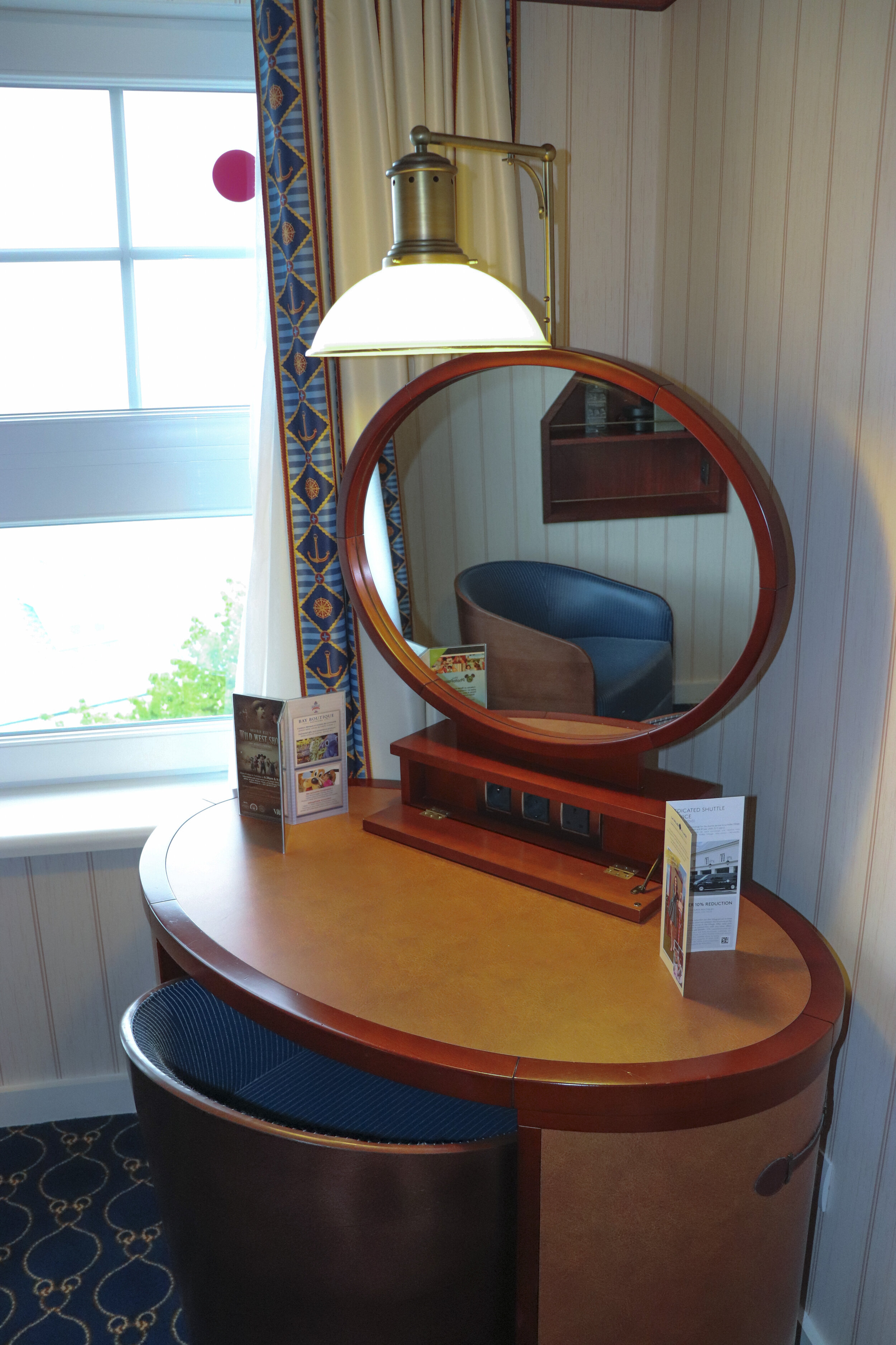 The vanity table featured different outlets.