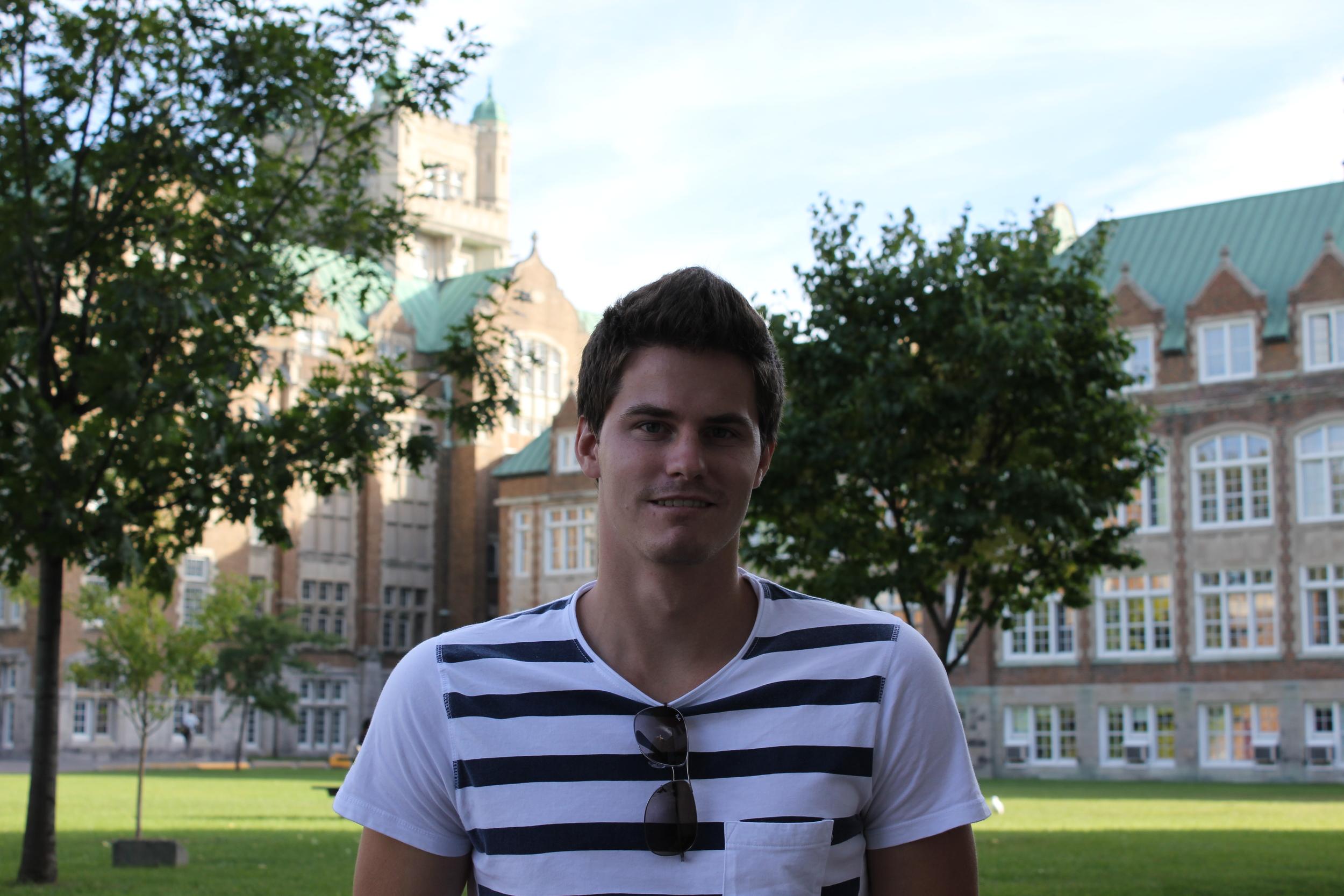 Philippe Warlop , Assistant de recherche, 2011-12