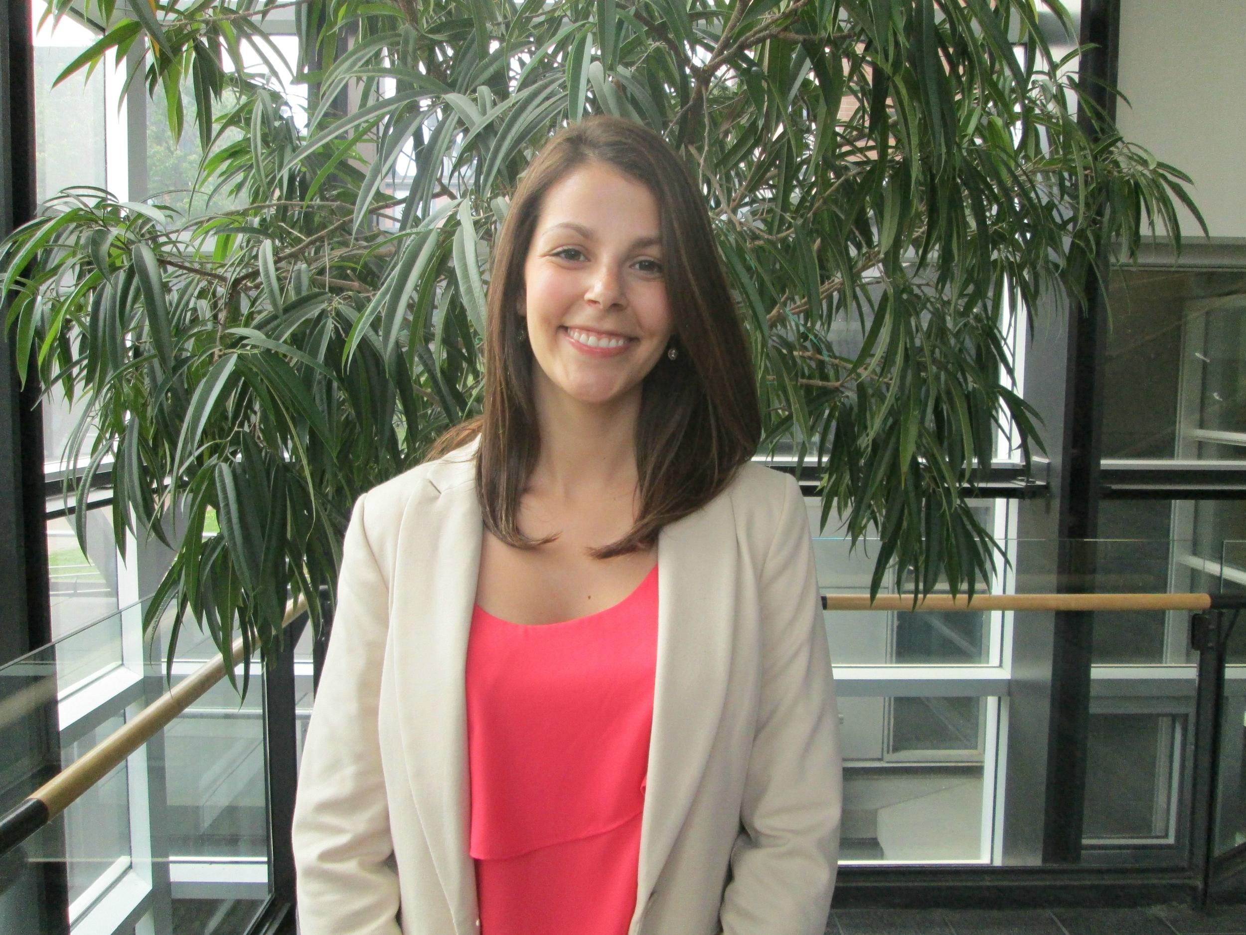 Dr. Elizabeth Morin-Lessard   Étudiante de deuxième cycle, 2013-2018  2019- Chercheuse post-doctorale, Université de Calgary   Visitez le site académique d'Elizabeth ici