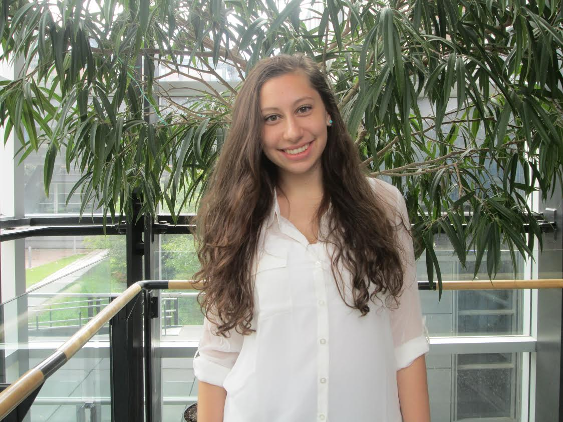 Stephanie Iacuessa   Assistante de recherche,   2015-2016