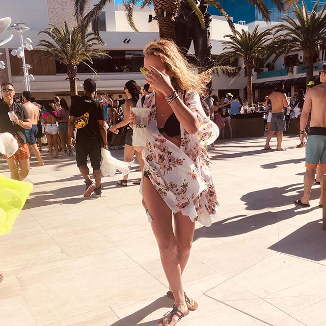 When Vegas got you like... • • • #vegas #promoter #kaos #photography #lit