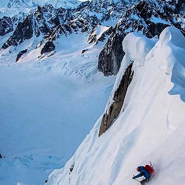 Loving this photo right now. #legends #ski #skimountaineering #bigmountains #climbing #winter #pnwonderland #light #awesome