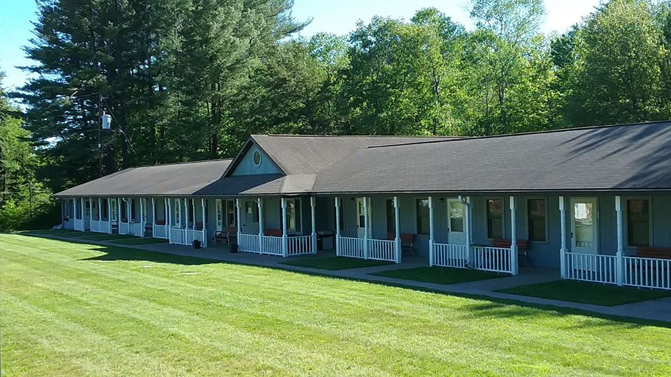 Cabins_Ext_2.jpg