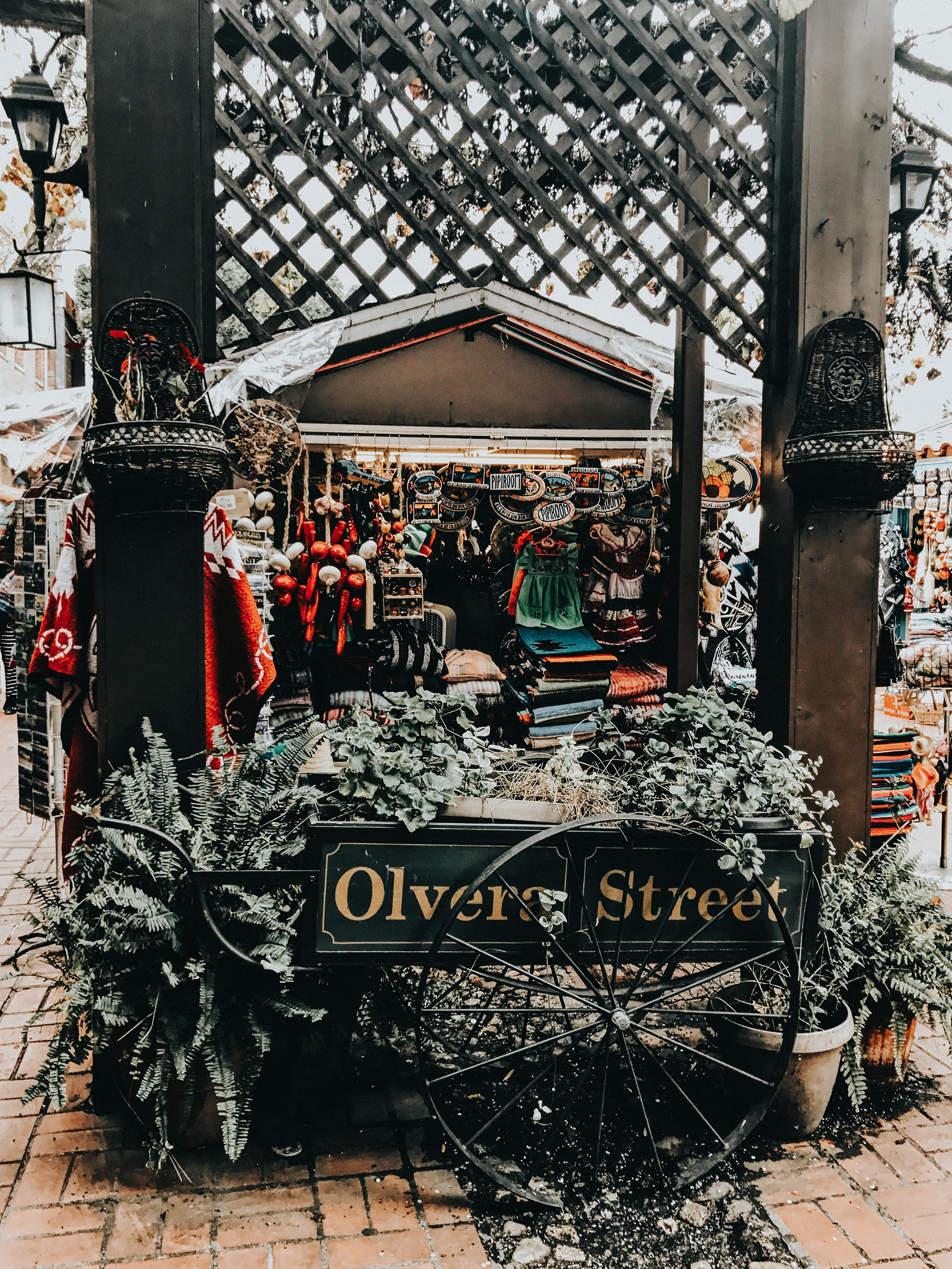 On my own again, I headed over to Olvera Street where I picked up some gorgeous Mexican trickets and gifts from the markets.