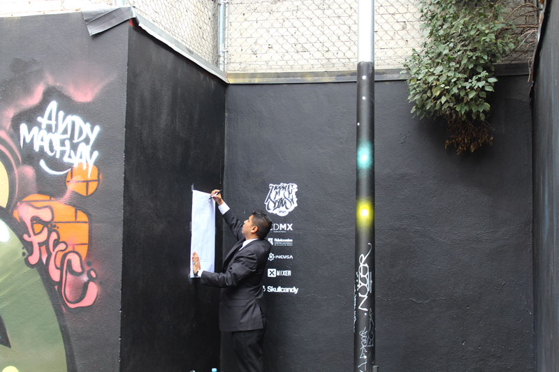 Above: Cesar drawing on a piece of bond paper next to large scale graffiti drawings. There is a sliding scale here in terms of the validity and legitimacy of the art works that are also tied to spaces of power and control. Through negotiating, we could enter and occupy this space for a short time.