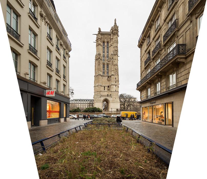 Le redressement des verticales en post-production étire l'image avec comme conséquences une détérioration de la qualité de l'image et la déformation des bâtiments qui semblent se tasser.