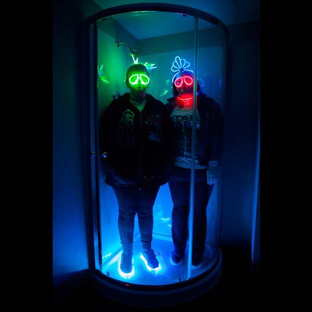 Day 083:   b e a m   m e   u p   . We will show you bits and pieces of this house one selfie at a time. This is our rad space shower. . . #day83 #thewholesituation #2018 #365 #365photochallenge #tattoos #tattooedladies #stl #stlouis #stlouisphotographers #selfie #butfirstletustakeaselfie #weirdos #roomies #sisterfromanothermister #twopeasinapod #spaceshower #beammeup #glowsticks #startrek