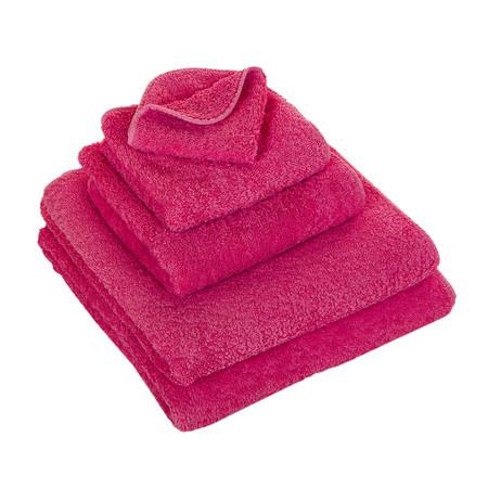 Fantastisk myke håndklær fra Abyss. Håndklærne er laget av overdådige 100% egyptisk bomull på hele 700 gram. Abyss har et stort utvalg i farger med tilhørende badematter.