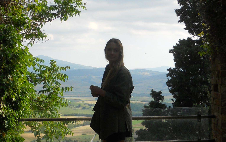 Pienza Palazzo Piccolomini garden and WEBview.jpg