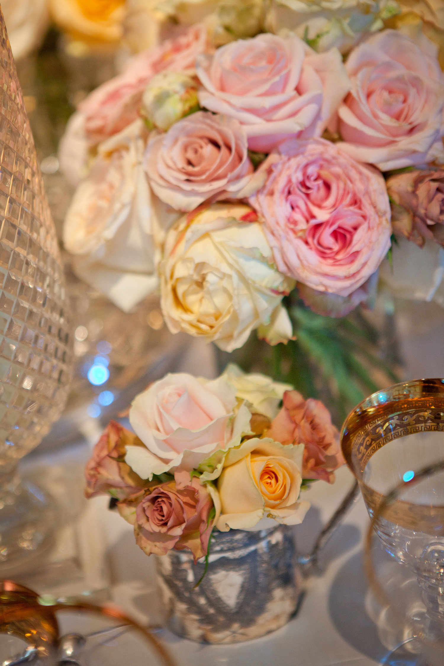 roses wedding flowers.jpg