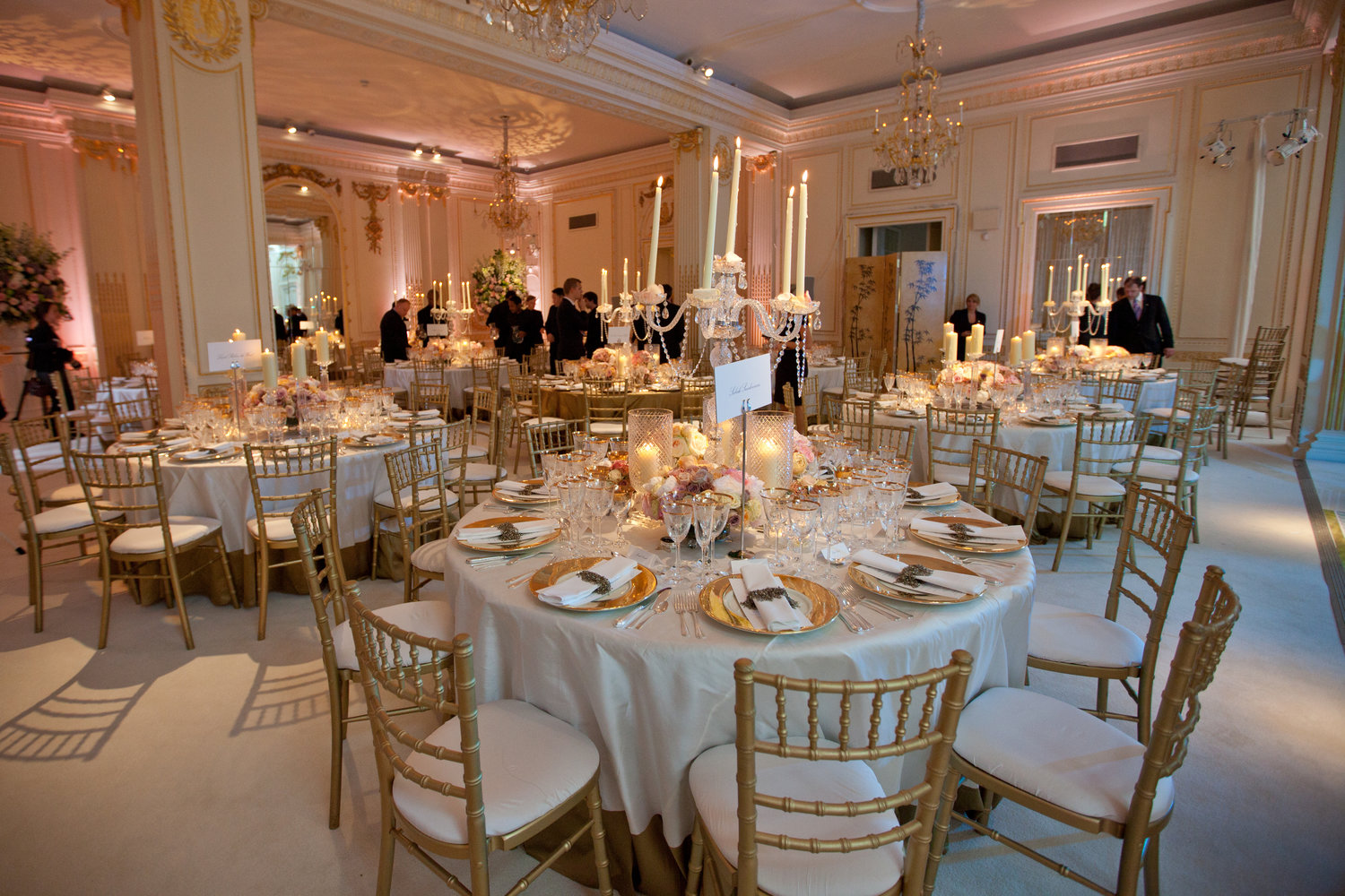 table decoration wedding.jpg