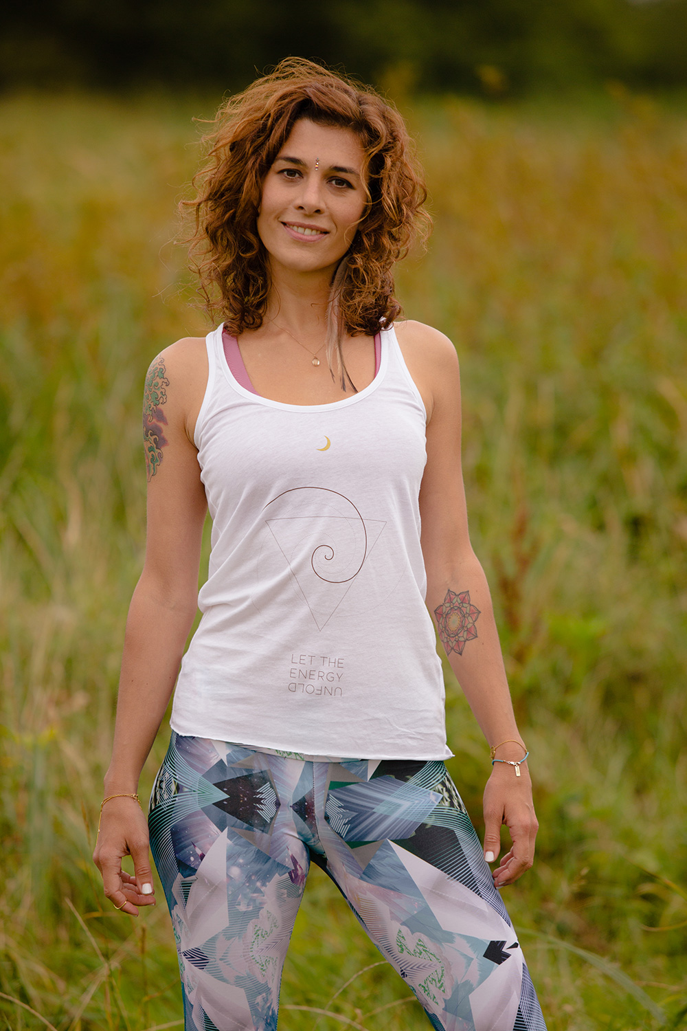 MOON_TRIBE-UNFOLD-women-vest-white_1.jpg