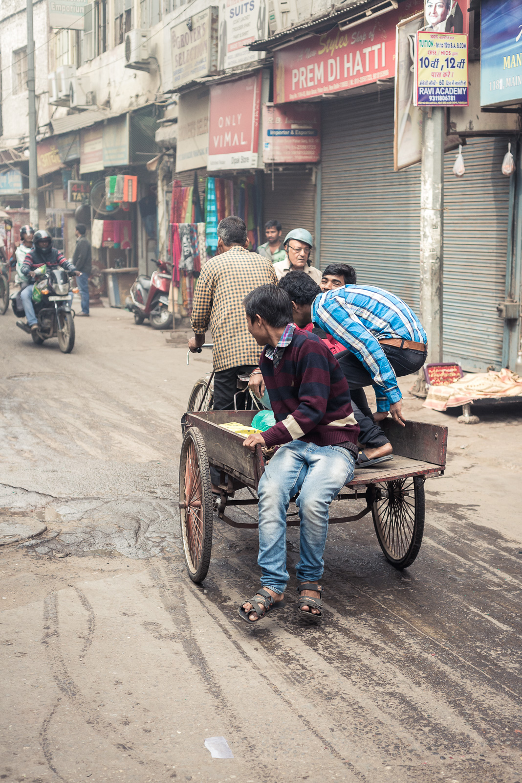 Paharganj, New Delhi. Due to the high volume of traffic, the methods of transport are quite alternative from time to time.
