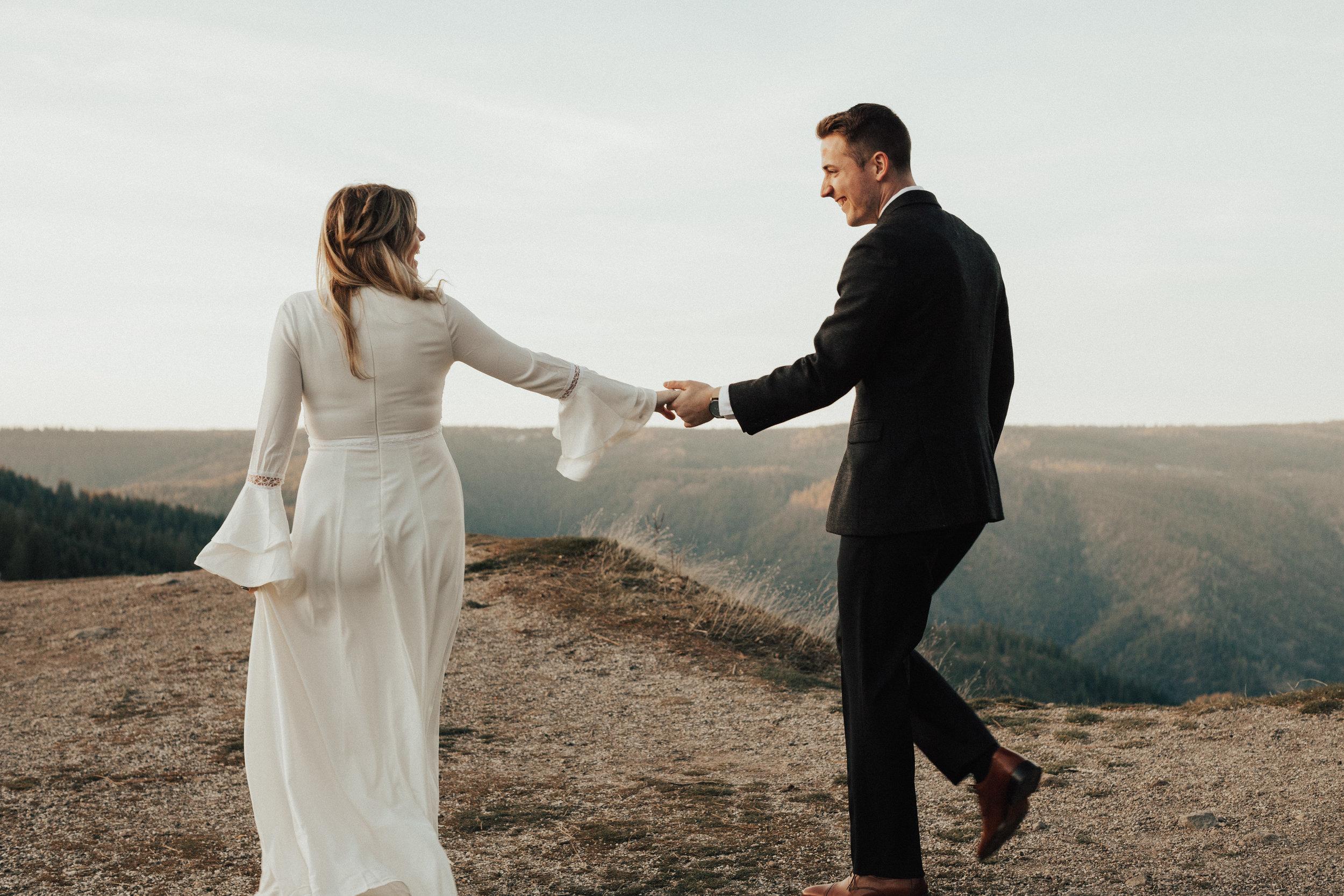 Adventurous elopement near Sacramento