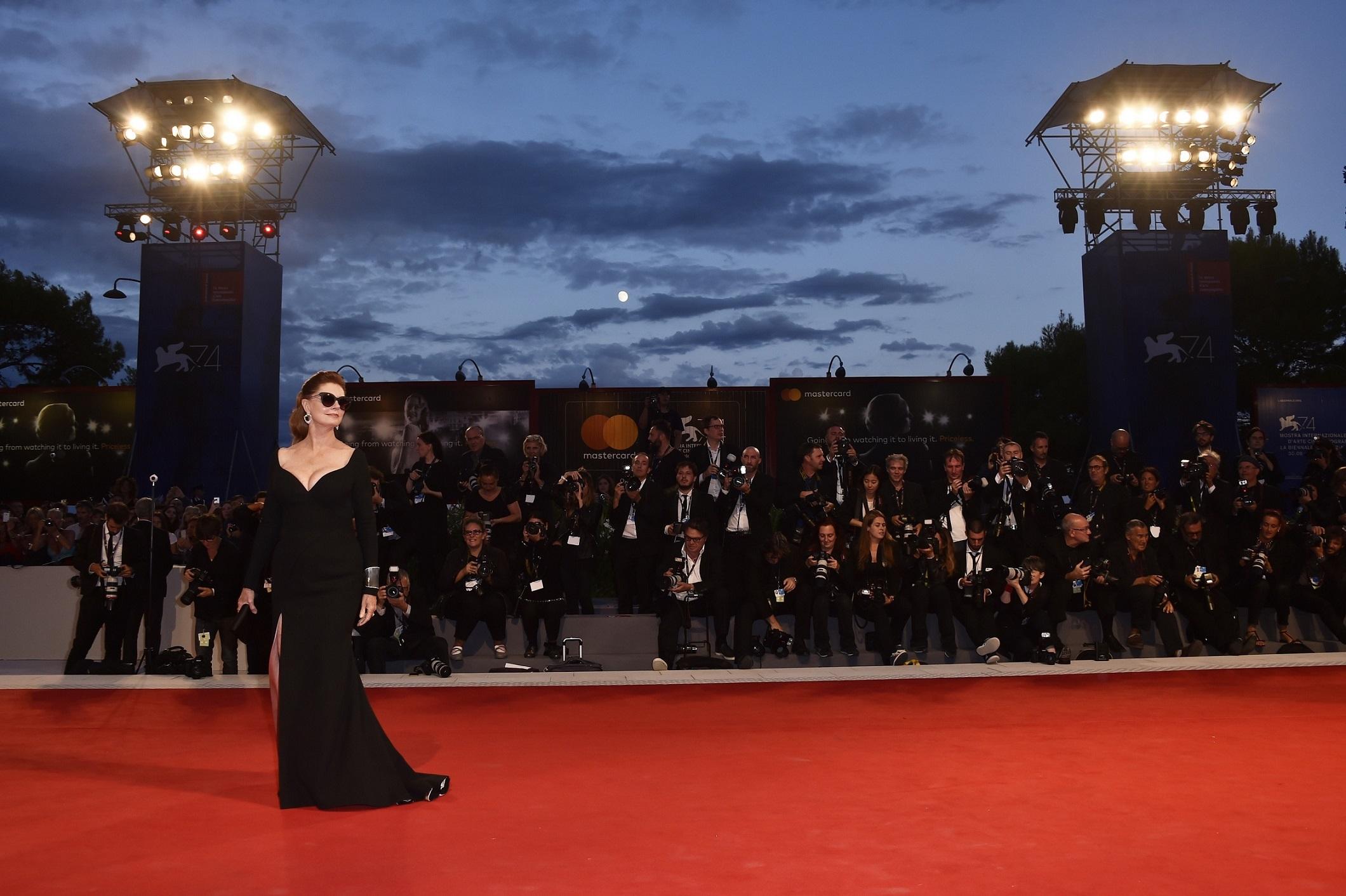Susan-Sarandon_Venice-Film-Festival_170903-3.jpg