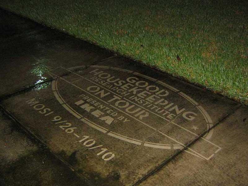 Good-house-keeping-uses-reverse-graffiti-cleaned-advertising.JPG
