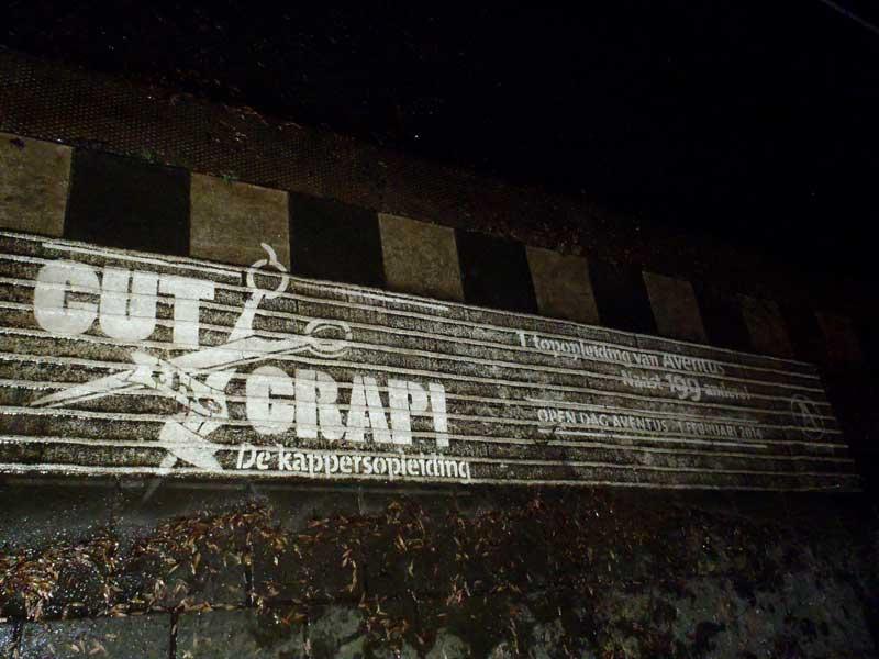 reverse-graffiti-cleaned-advertising-Aventus.JPG