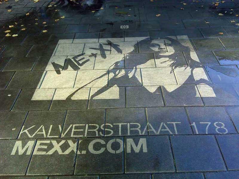 reverse-graffiti-cleaned-advertising-mexx.JPG