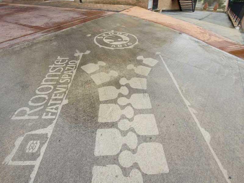skoda-reverse-graffiti-cleaned-advertising-italy.JPG