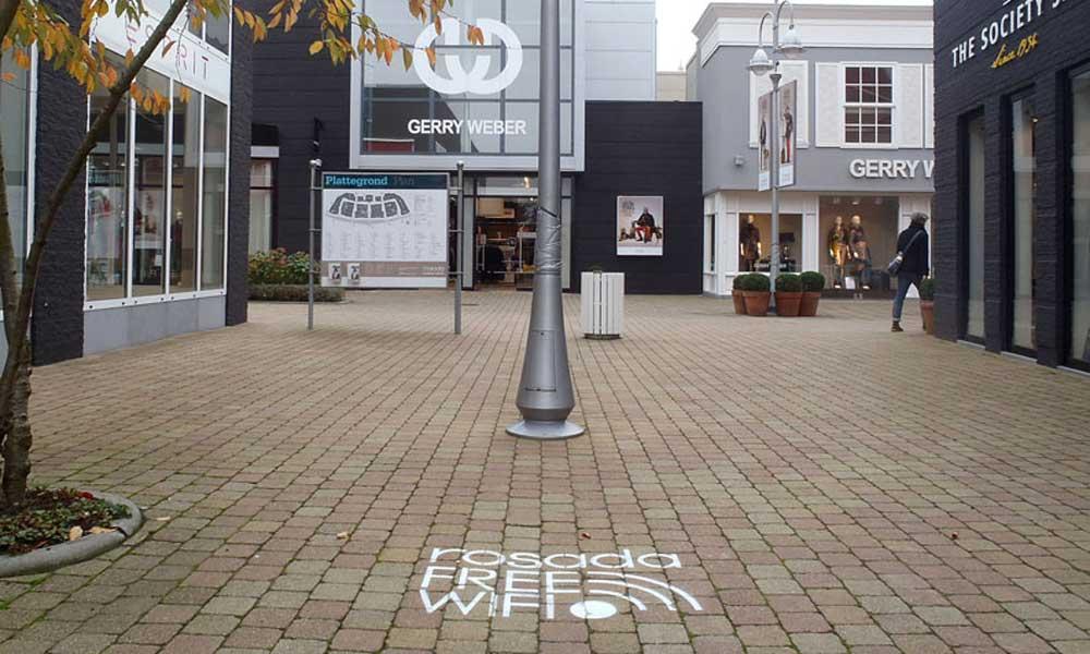 Free-wifi-rosada-chalk-advertisement-natural-media.jpg