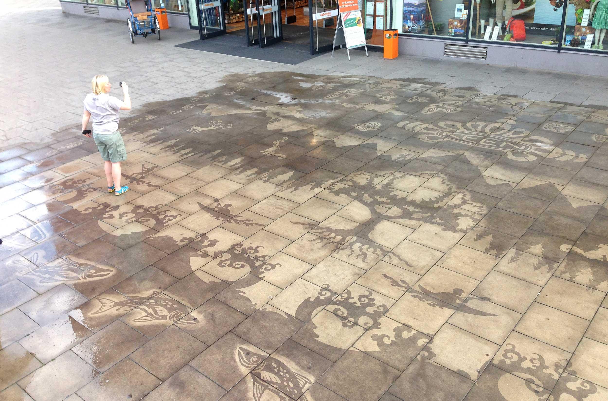 130 M2 sidewalk mural produced by GreenGraffiti® Netherlands