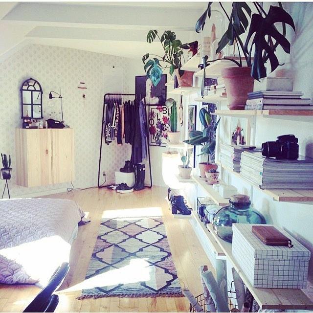 Amazing interiors ❤️ #eclectic #interiors #lifestyle #plants #storage #graphics