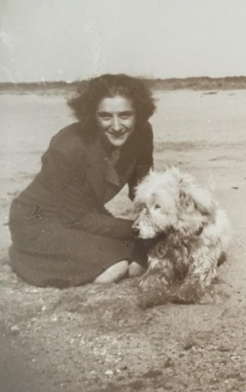 Lucia con il cane Pippo