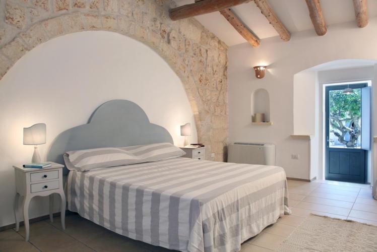La-Casa-di-Ora-Fondazione-Le-Costantine-Camera-06a_foto_originali_rit.jpg