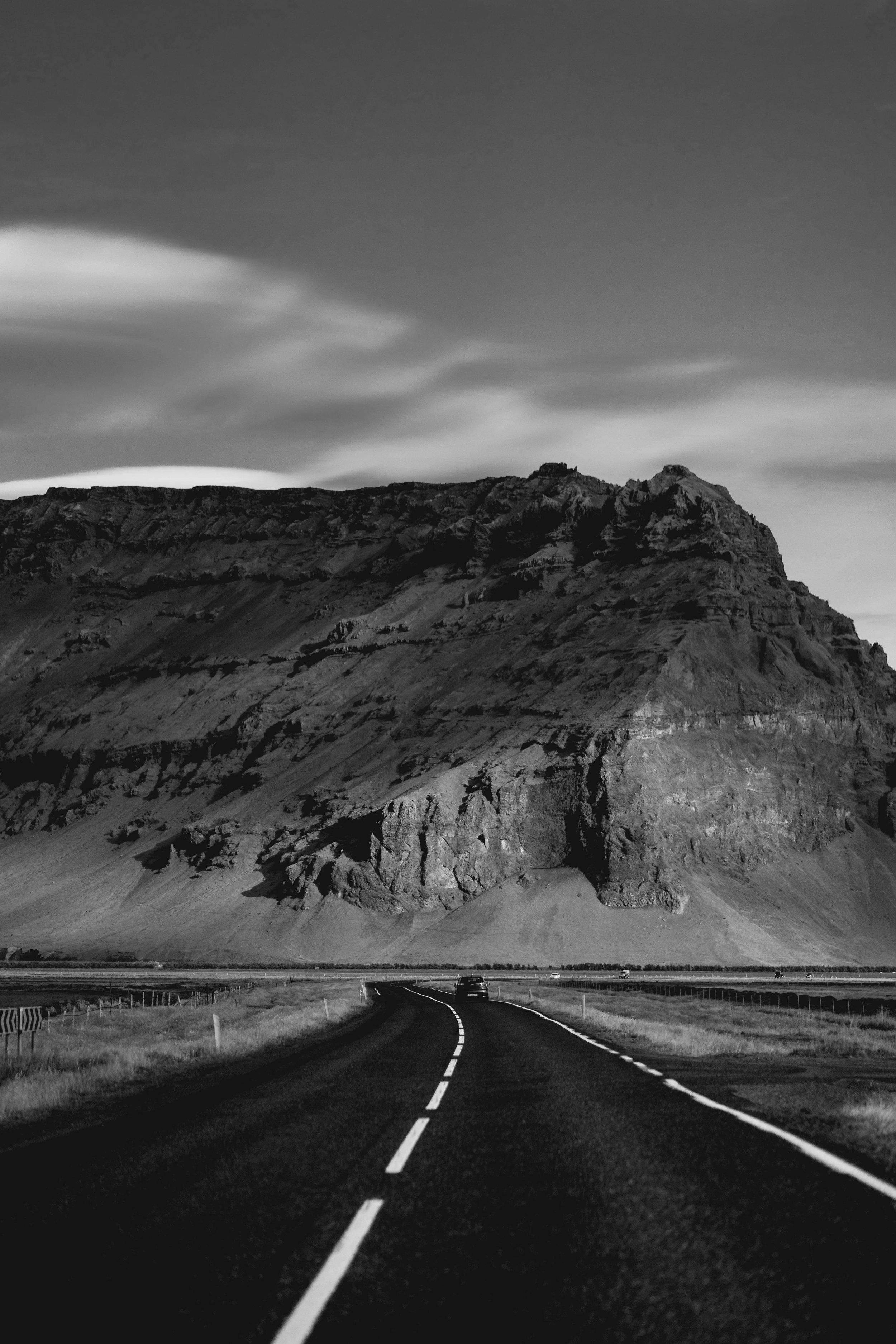 Iceland - 00490 - Chris Goetchius 2017.jpg