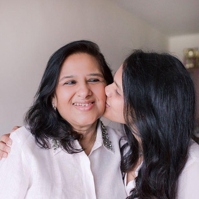 上一次親吻媽媽是甚麼時候?⠀ ⠀ Family portrait by @nikkiloveu.photo