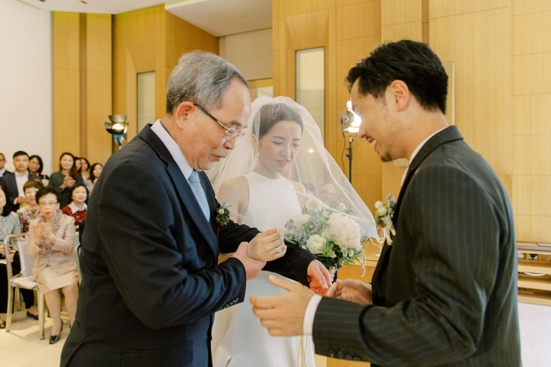 nikkiloveu-hongkong-weddingday-theupperhouse-as-011.jpg
