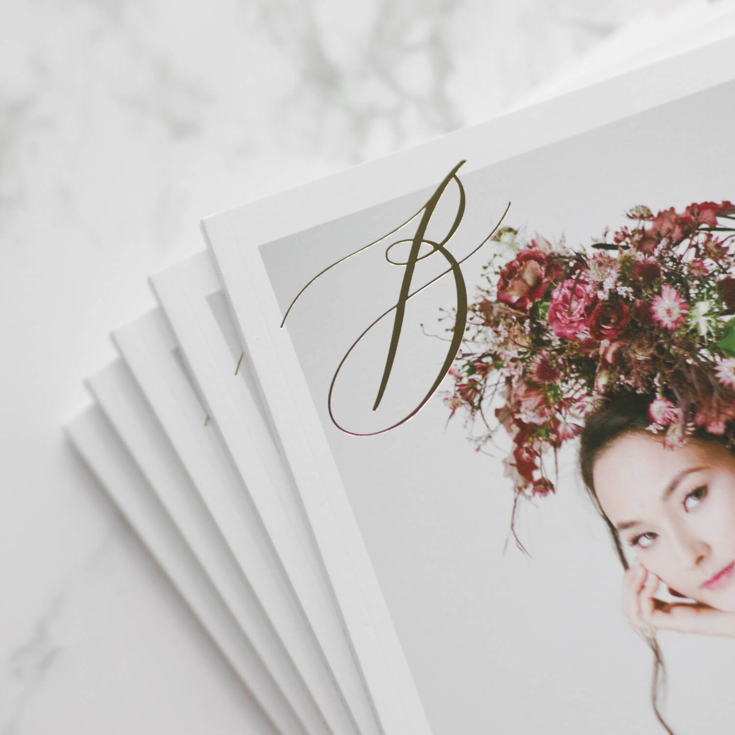 i am a slash. - I also work as editor for Bride & Breakfast HK. It brings me lots of inspiration. I hope you will like it as much as i do!