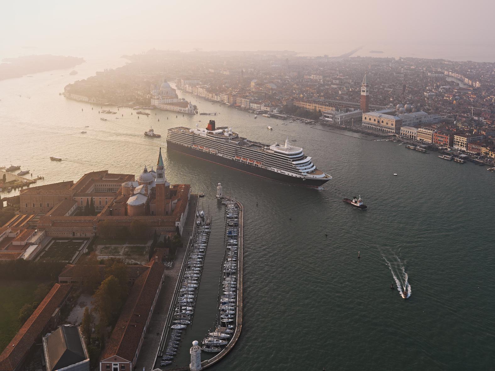 Grand canal QE Venice_6558656.jpg
