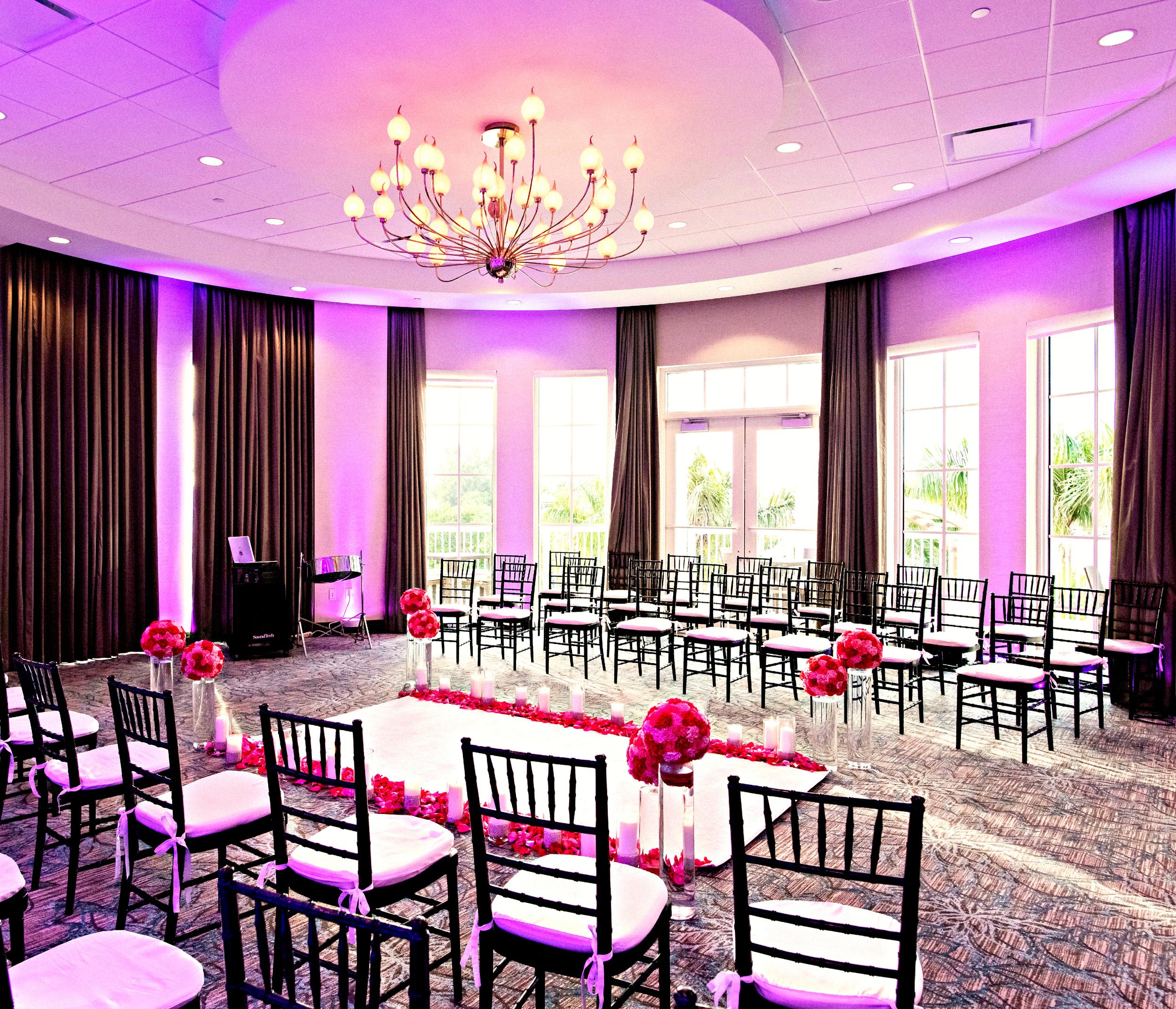 Wyndham Grand Jupiter Wedding | Elegant Ceremony Decor