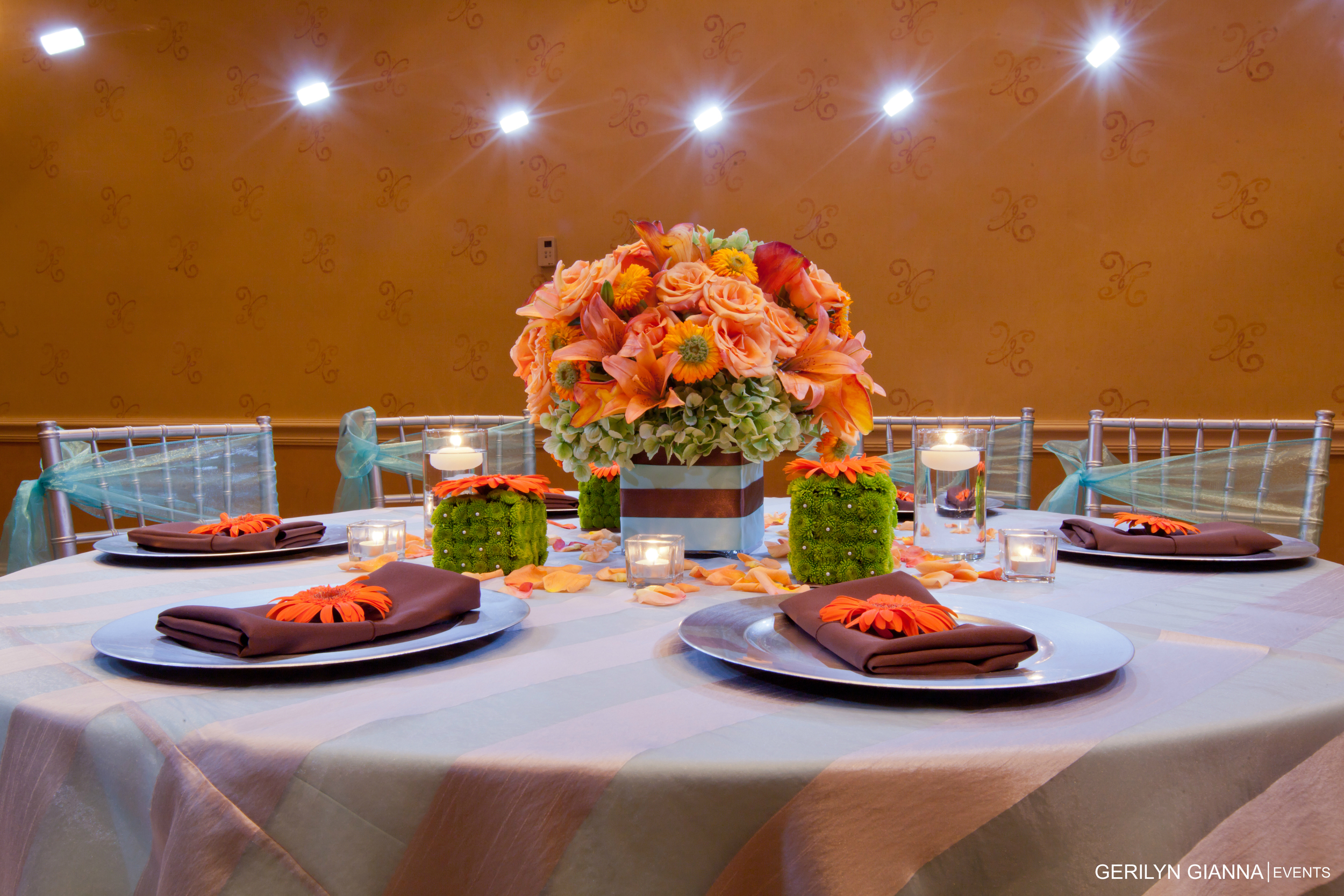 Low Floral Centerpieces   Gerilyn Gianna Event Design   Palm Beach Wedding and Event Flowers