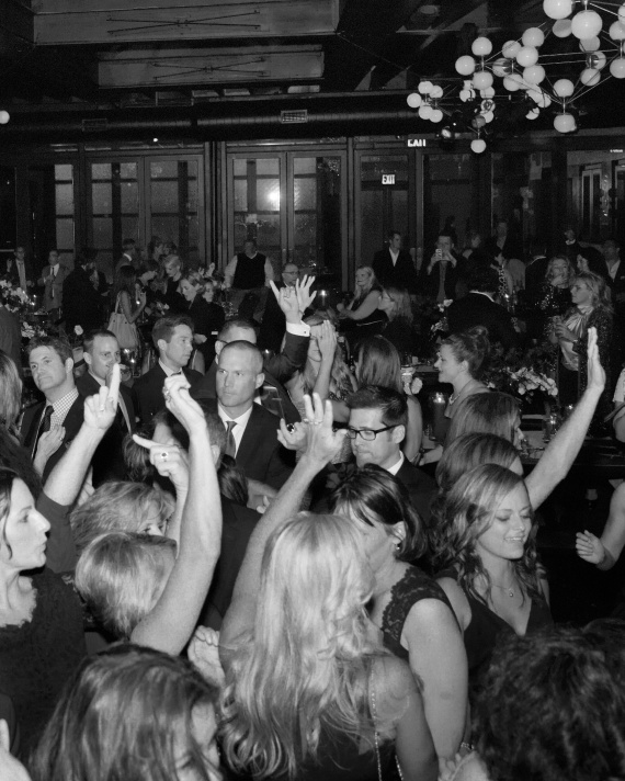 rw-anthony-rusty-reception-dancing-1354-04024-bw-wd110176_vert.jpg