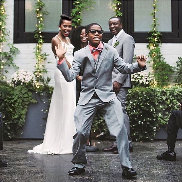 "#repost Can't say it better than @nymagweddings ""The ceremony and reception were kept short to allow ample time for friends and family to dance to a mix of hip-hop, house and R&B by DJ Mother Brother"". Love this shot of our 501 Union couple by the always amazing @chellisemichaelphotography . . . . . . #501union#501unionwedding#brooklynwedding#summerweddinginspo#eventspace"