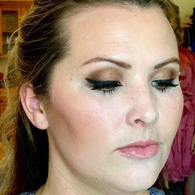#makeupbyme #smolder #smokeyeyeshadow . . . #motd💄 #bridalmakeup #coloradomakeupartist #crestedbuttewedding #crestedbuttemakeupartist #lovewhatyoudo💞 #beautyoftheday #maccosmetics #viseart #bobbibrowncosmetics #tartecosmetics #rcma #smokeyeye #bridesmaidbeauty