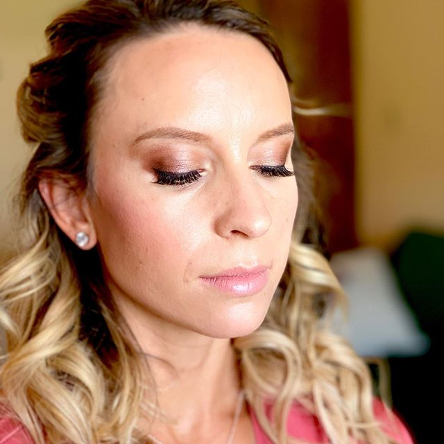 Smokey, soft beauty for this lovely bridesmaid! . . . #motd💄 #bridalmakeup #coloradomakeupartist #crestedbuttewedding #crestedbuttemakeupartist #lovewhatyoudo💞 #beautyoftheday #maccosmetics #viseart #bobbibrowncosmetics #tartecosmetics #rcma #smokeyeye #bridesmaidbeauty