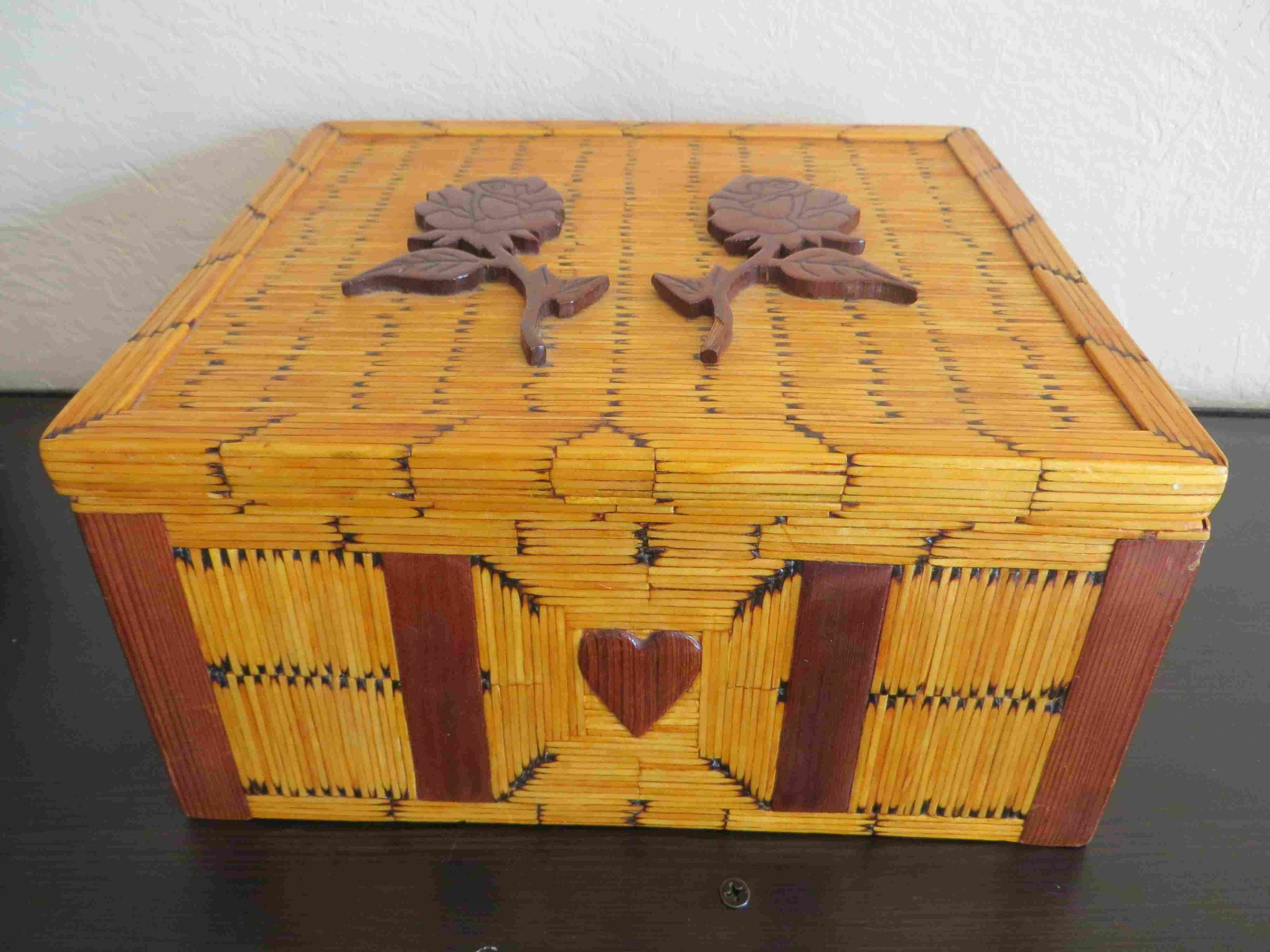 Vintage Inmate Matchstick Jewelry Box-005 - Copy.jpg