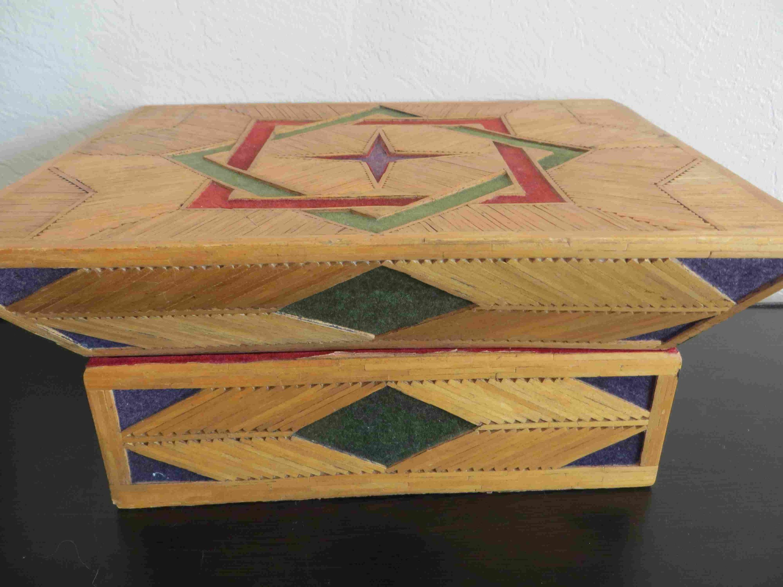 Vintage Inmate Matchstick Jewelry Box-011 - Copy.jpg