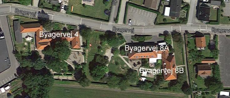 Forvaltningen foreslår, at bygningen længst mod øst (Byagervej 8B) udvides til Blovstrød Børnehus ved en ombygning og udgør i alt ca. 300 m2 for de to etager