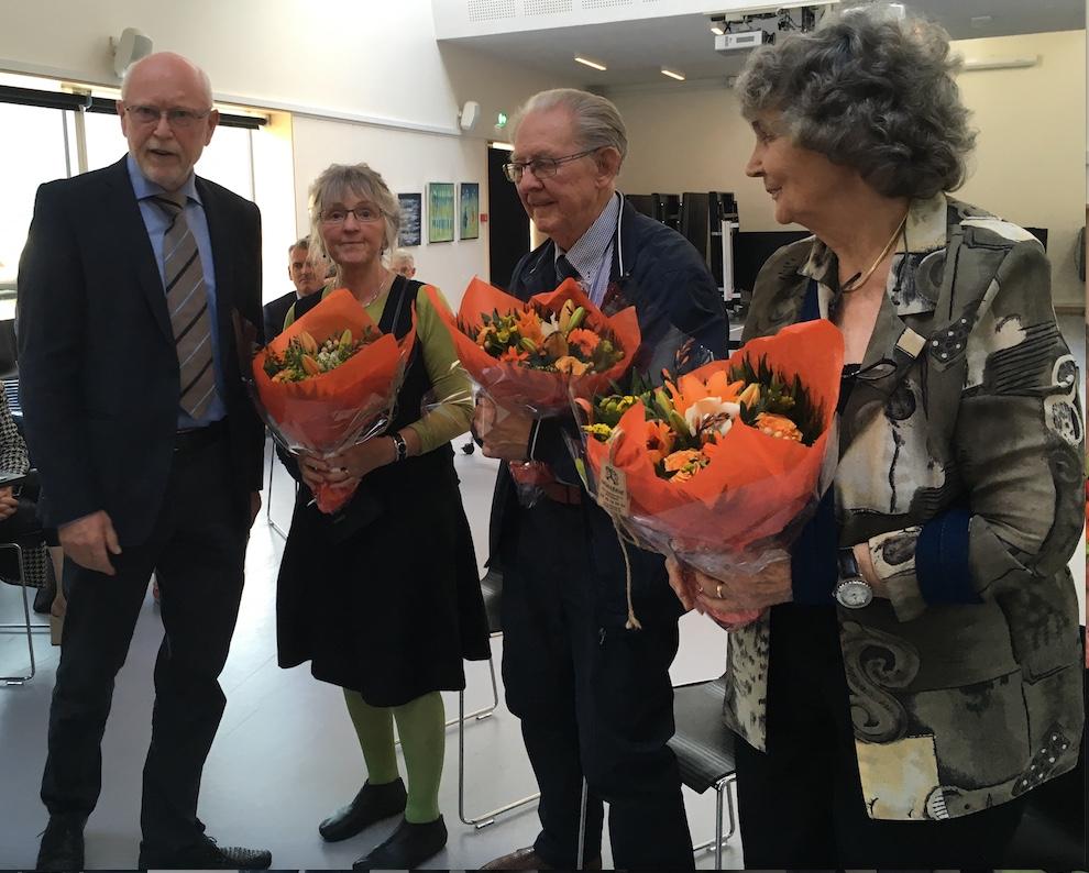 Alle tre vindere fik overrakt en smuk buket blomster. Foto:  Rahime Turan