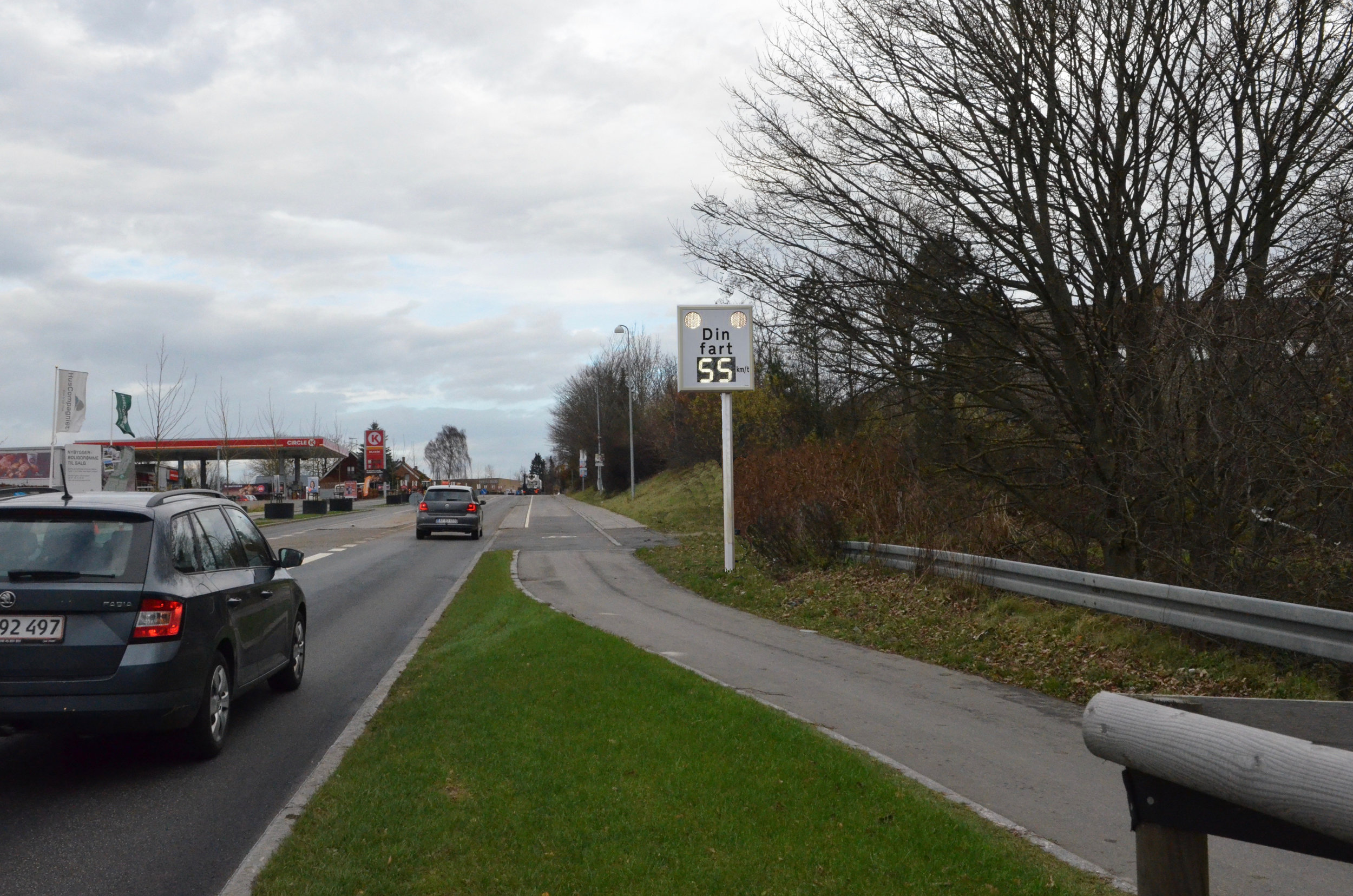 Flere undersøgelser har vist, at digitale fartmålere er den bedste løsning på   sænkning af hastigheden.  Fotomanipulation: AOB