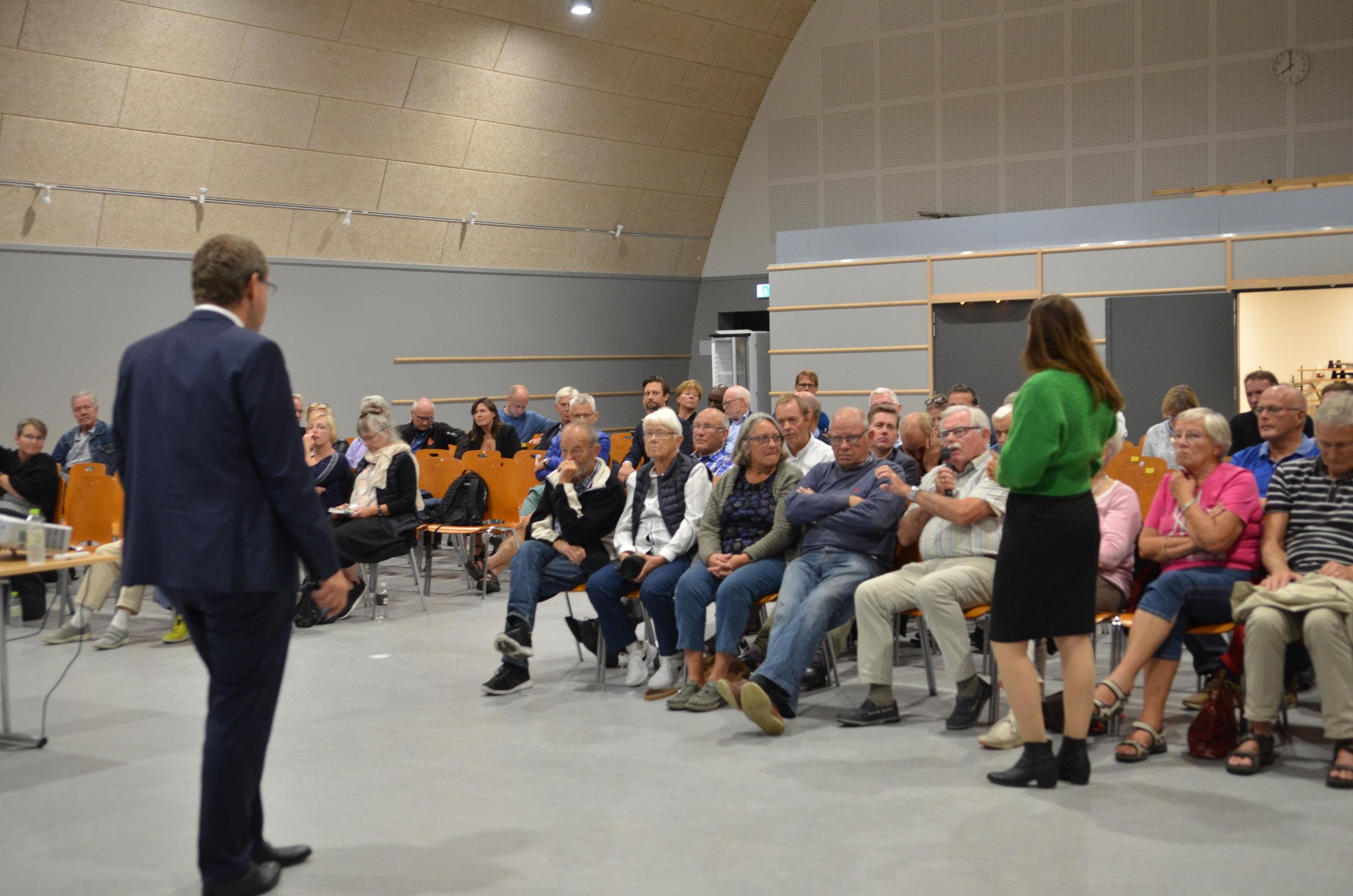 Til slut svarede Karsten Längerich på spørgsmål fra tilhørerne. Foto: AOB