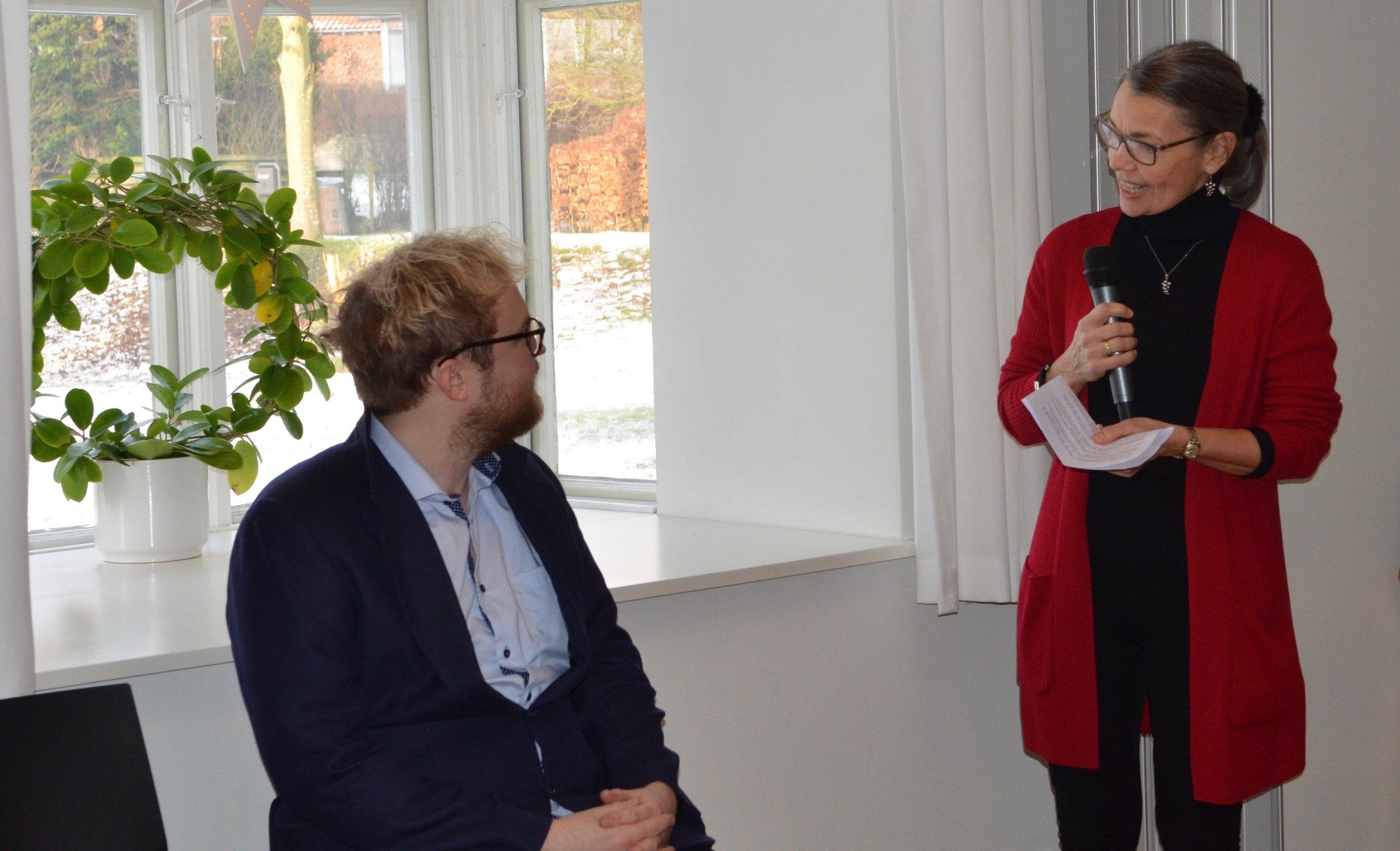 """Fillippa Gottlieb: """"Menighedsrådet vil gøre alt hvad vi kan for at inkludere dig i sognet, hjælpe dig godt igang med stillingen, og dermed bidrage til, at din første stilling bliver til gavn og glæde for både dig og os."""" Foto: AOB"""